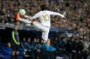 Video: Mesut Ozil ? The Silent Genius ? Best Skills Ever HD